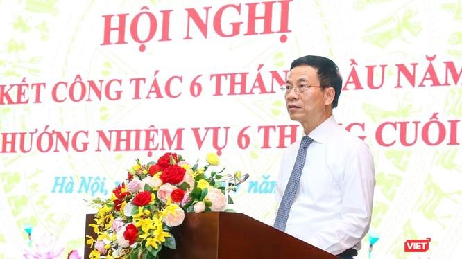 """""""6 tháng đầu năm là sự tập dượt. 6 tháng cuối năm là bứt phá vươn lên. Ngành TT&TT bứt phá vươn lên là giúp đất nước bứt phá vươn lên"""", Bộ trưởng Bộ TT&TT Nguyễn Mạnh Hùng phát biểu."""
