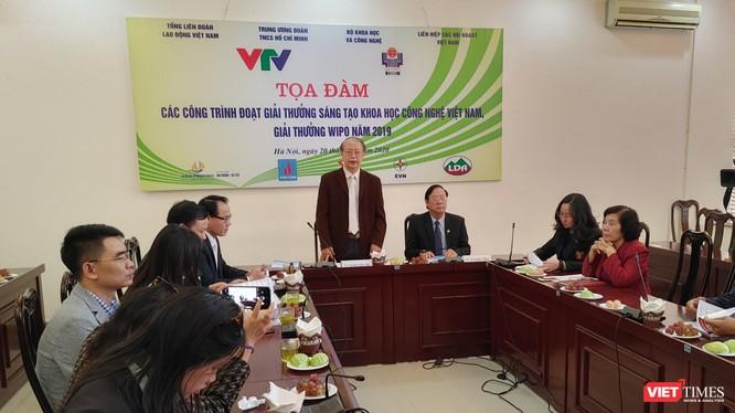 TS. Phạm Văn Tân - Phó Chủ tịch Liên hiệp hội KH&KT Việt Nam phát biểu tại họp báo.
