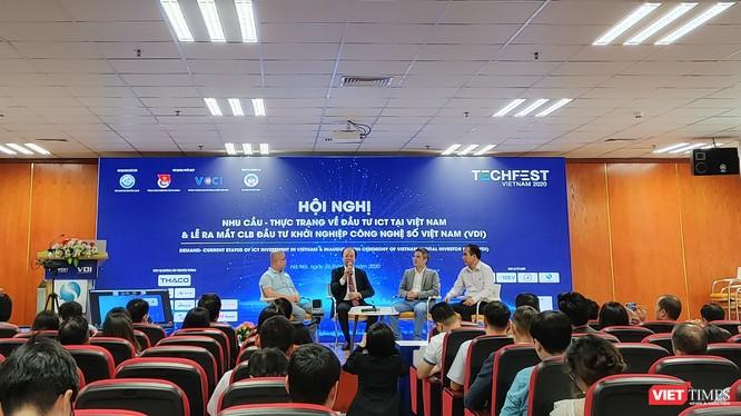Lễ ra mắt CLB Đầu tư Khởi nghiệp Công nghệ số trong khuôn khổ TECHFEST 2020.