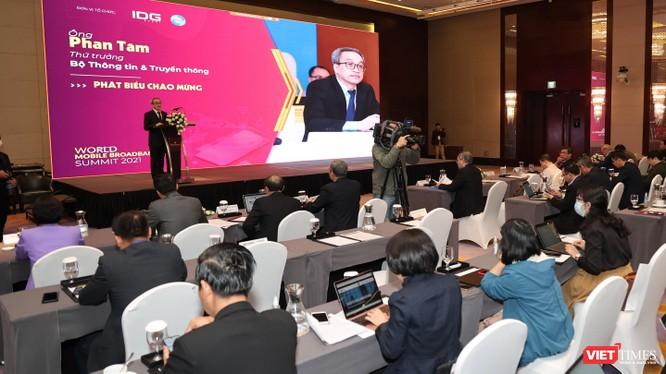Thứ trưởng Bộ TT&TT Phan Tâm phát biểu tại sự kiện.