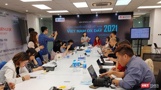 Họp báo công bố Ngày Chuyển đổi số Việt Nam 2021.