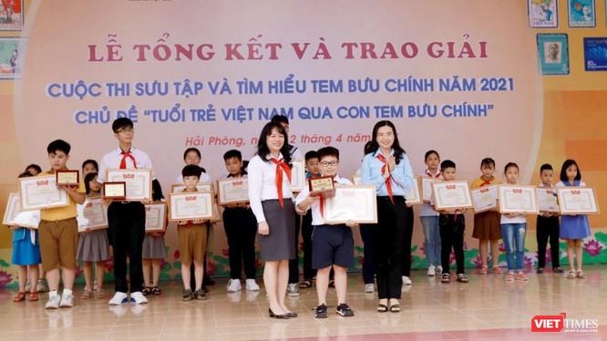 Em Lê Hoàng – học sinh lớp 4C, trường Tiểu học Võ Thị Sáu, Lê Chân, Hải Phòng - nhận giải đặc biệt.