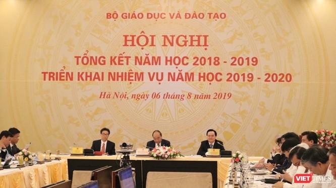 Hội nghị trực tuyến tổng kết năm học 2018-2019 và triển khai nhiệm vụ năm học 2019-2020. Ảnh: Minh Thúy.