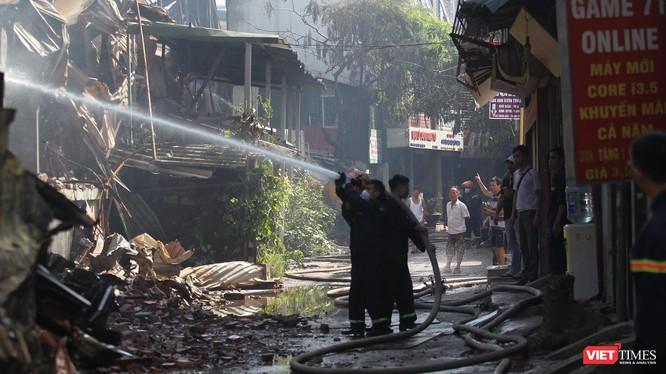 Chữa cháy tại Công ty cổ phần Bóng đèn phích nước Rạng Đông.