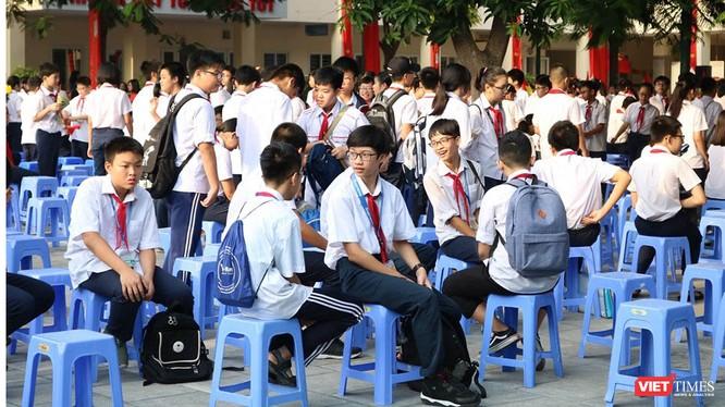 Học sinh tham gia hoạt động ngoài trời. Ảnh: Minh Thúy