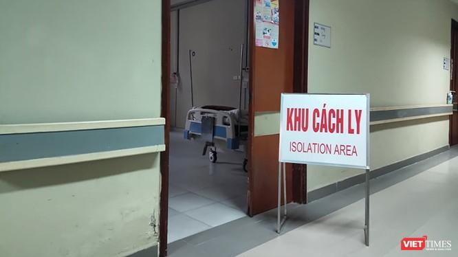 Khu cách ly bệnh nhân nhiễm nCoV. Ảnh: Minh Thúy