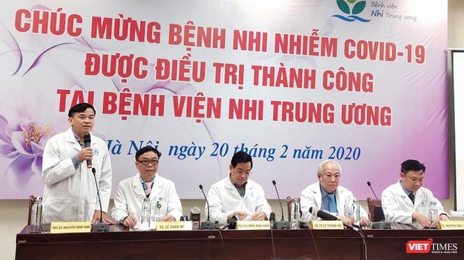 Họp báo điều trị thnahf công cho bệnh nhi 3 tháng tuổi mắc COVID-19. Ảnh: Minh Thúy