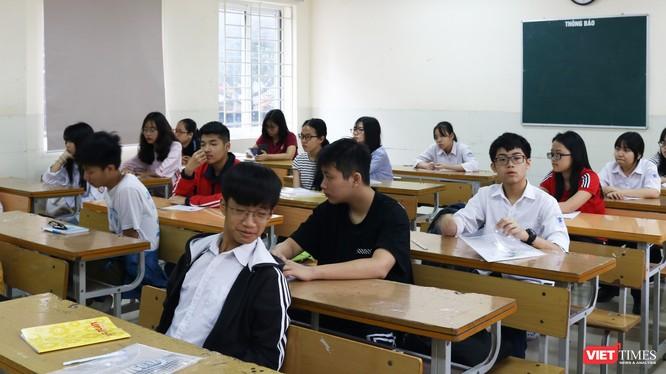 Học sinh chăm chú nghe giảng trong lớp học. Ảnh: Minh Thúy