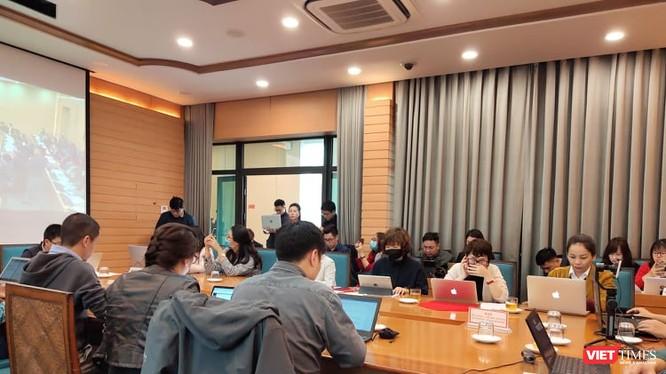 Toàn cảnh cuộc họp Ban Chỉ đạo phòng, chống dịch COVID-19 tại UBND TP. Hà Nội. Ảnh: Minh Thúy
