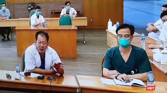 Lãnh đạo Bệnh viện Bạch Mai thông tin về tình hình phòng, chống COVID-19 tại Bệnh viện. Ảnh: Minh Thúy