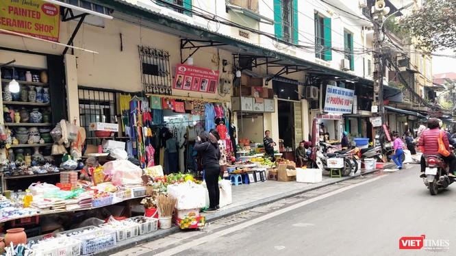 Một khu chợ tại Hà Nội. Ảnh: Minh Thúy