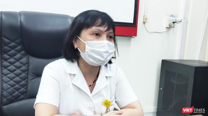 TS. BS. Nguyễn Kim Thư – Trưởng Khoa Virus Ký sinh trùng, Bệnh viện Bệnh Nhiệt đới Trung ương. Ảnh: Minh Thúy