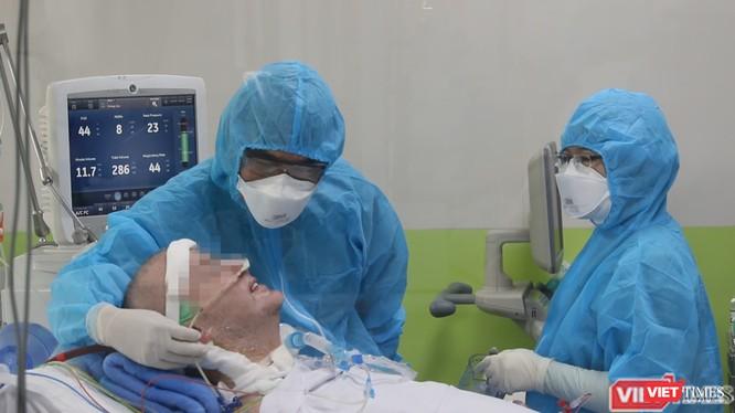 Bệnh nhân 91 đang hồi phục thần kỳ, tri giác tỉnh táo hoàn toàn (Ảnh: Bệnh viện Chợ Rẫy)