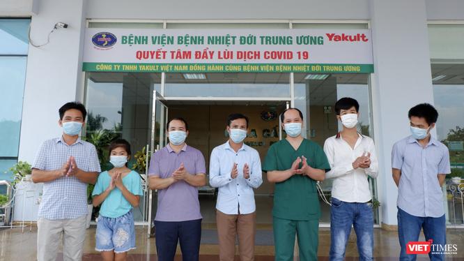 6 bệnh nhân mắc COVID-19 được công bố khỏi bệnh (Ảnh: Minh Nhật)