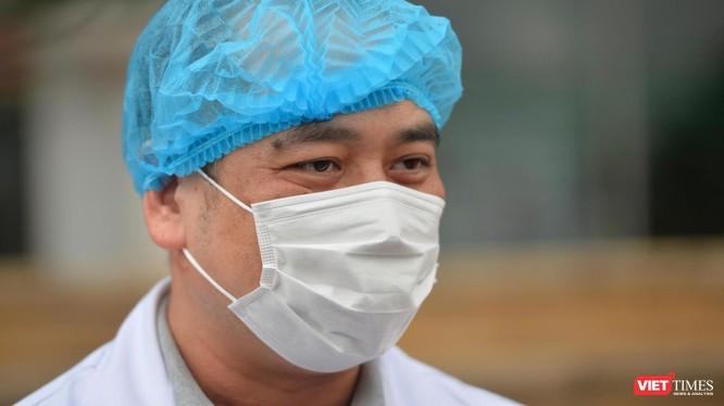 BS. Nguyễn Trung Cấp – Phó Giám đốc Bệnh viện Bệnh Nhiệt đới Trung ương (Ảnh - Hoàng Anh)