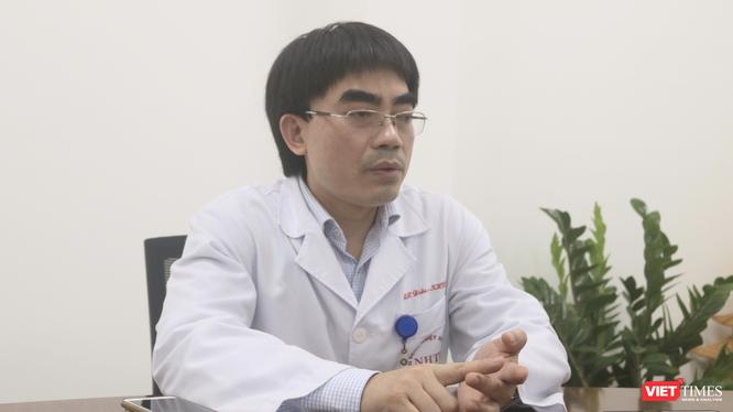 TS. BS. Vũ Minh Điền – Phó Giám đốc Trung tâm phòng, chống dịch, Bệnh viện Bệnh Nhiệt đới Trung ương (Ảnh - Minh Thuý)
