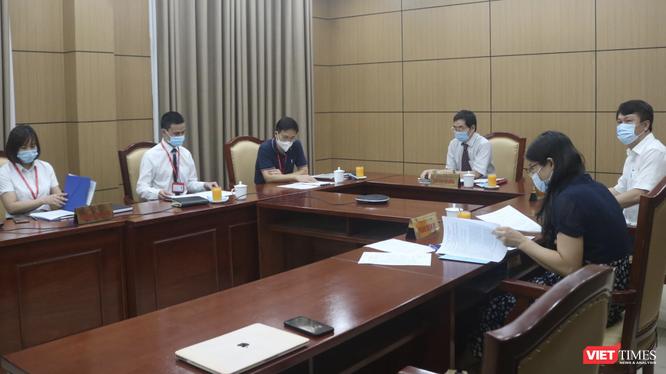 Hội đồng bảo vệ luận án Tiến sĩ online lần đầu tiên được tổ chức tại Trường Đại học Y Hà Nội (Ảnh - Minh Thuý)