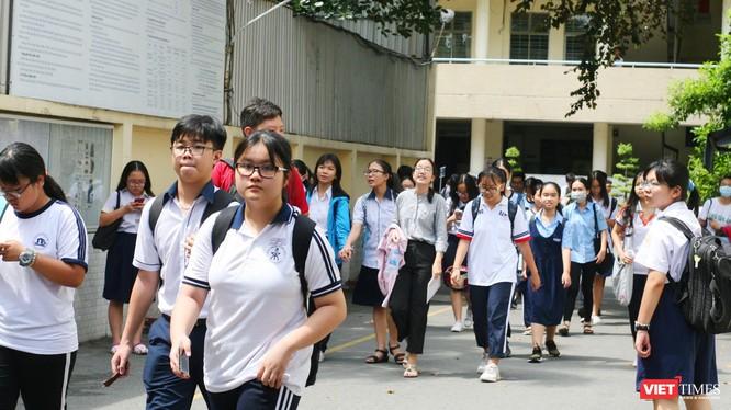 Học sinh tham dự kỳ thi tuyển sinh vào lớp 10