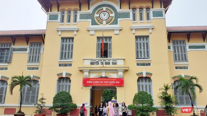 Trường THPT Nguyễn Thị Minh Khai - hội đồng chấm thi tại TP.HCM