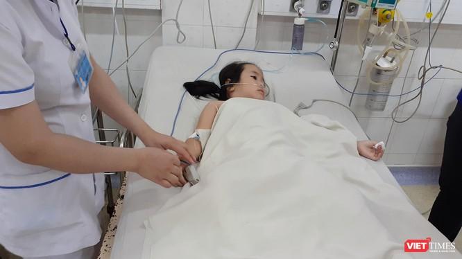 Trẻ bị sốt xuất huyết rơi vào trạng thái nguy kịch
