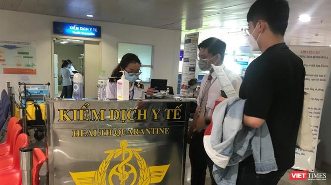 Nóng: Đã tìm thấy 5 hành khách nhập cảnh Việt Nam, chung chuyến bay với người Nhật nhiễm COVID-19. Ảnh: T.T