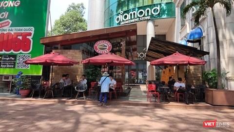 Một cửa hàng phục vụ ăn uống trên địa bàn TP.HCM trong dịch COVID-19. Ảnh: Hòa Bình