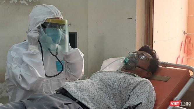 Diễn tập cấp cứu bệnh nhân tại BV Dã chiến Củ Chi (TP.HCM). Ảnh: N.T