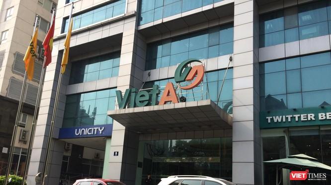 Công ty cổ phần Tập đoàn đầu tư thương mại công nghiệp Việt Á có trụ sở chính tại phố Duy Tân, quận Cầu Giấy, TP Hà Nội.