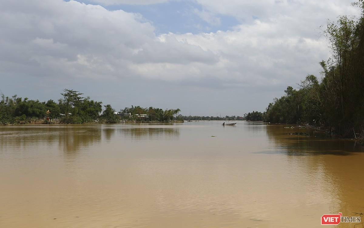 Quảng Nam: Thủy điện Đắk Mi 4 xả lũ, hạ du sông Vu Gia chìm trong nước ảnh 7