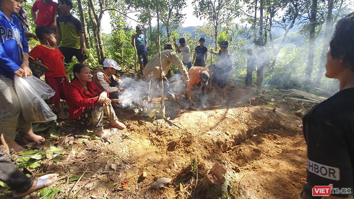 Cận cảnh cứu hộ nạn nhân sạt lở đất ở Trà Leng ảnh 14
