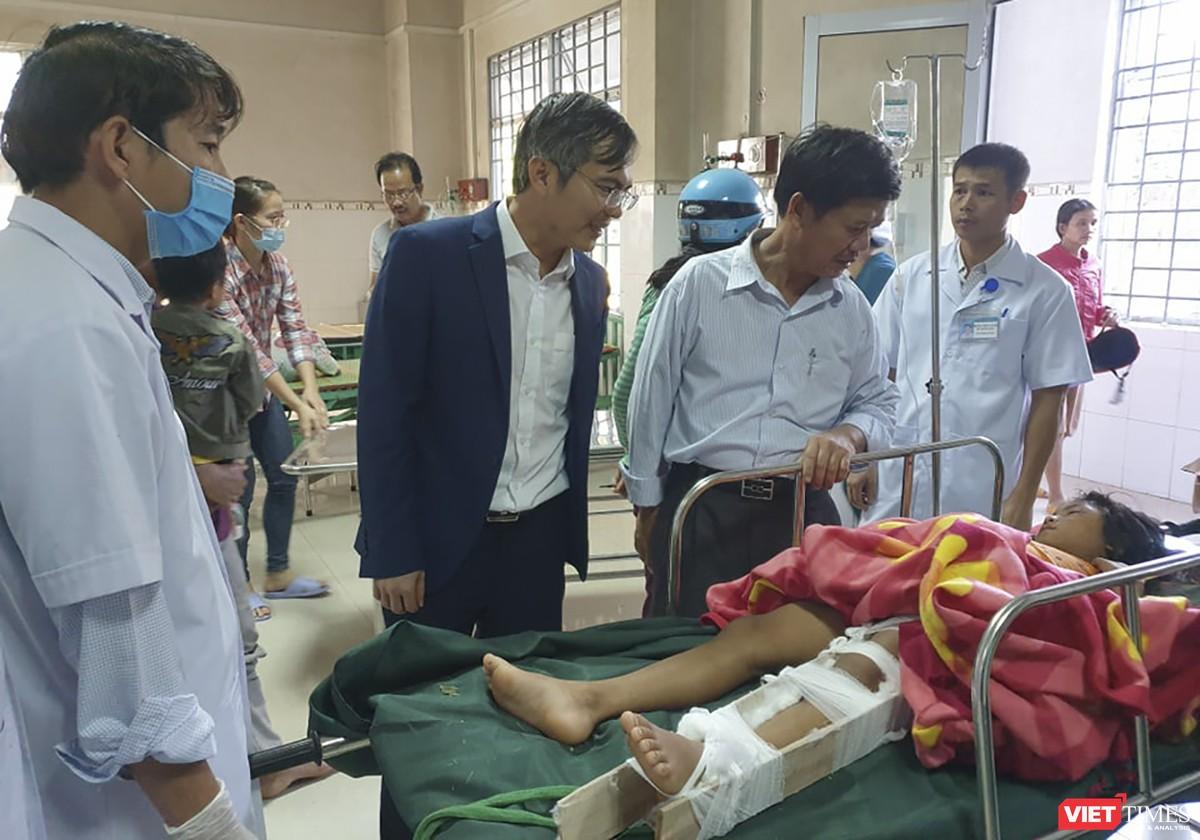 Cận cảnh cứu hộ nạn nhân sạt lở đất ở Trà Leng ảnh 27