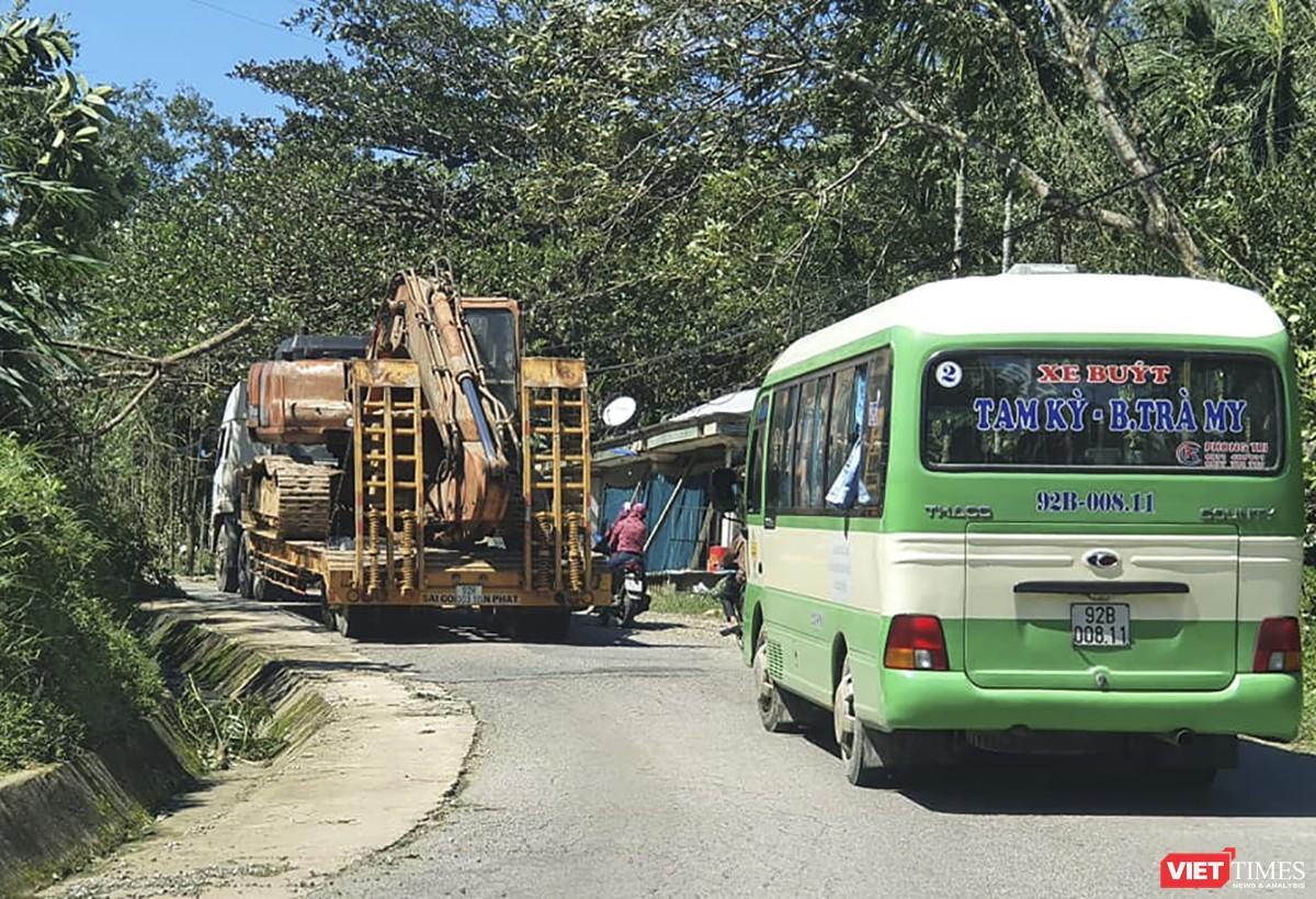 Cận cảnh cứu hộ nạn nhân sạt lở đất ở Trà Leng ảnh 2