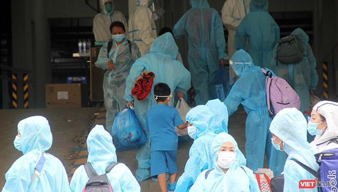 """Lộ trình nào để Việt Nam tiến tới """"sống chung với virus""""? ảnh 1"""