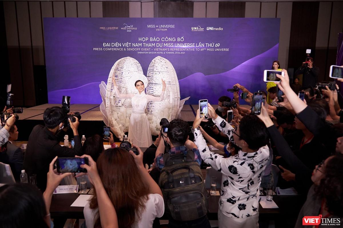 Hoa hậu Khánh Vân đại diện VN sang Mỹ chinh phục Miss Universe lần thứ 69 ảnh 3