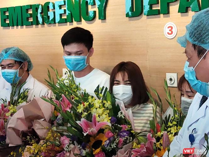 Thêm ba bệnh nhân xuất viện, Việt Nam đã có 6/14 người chiến thắng virus Corona ảnh 1