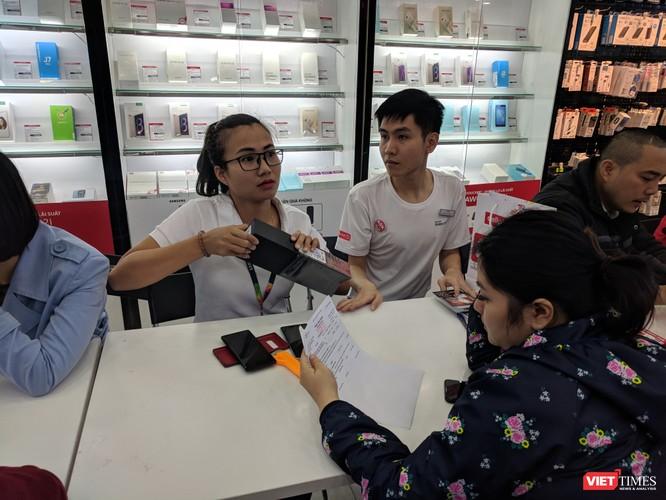 Galaxy S9/S9+ trong ngày mở bán chính thức đầu tiên tại Việt Nam ảnh 7
