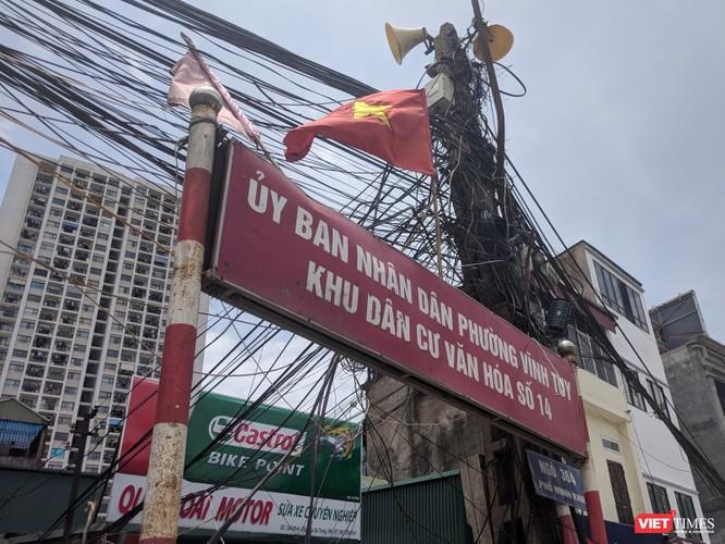 """Giật mình cáp viễn thông như """"liễu rủ"""" trên đường Minh Khai ảnh 11"""