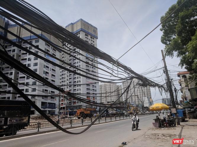 """Giật mình cáp viễn thông như """"liễu rủ"""" trên đường Minh Khai ảnh 16"""