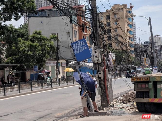 """Giật mình cáp viễn thông như """"liễu rủ"""" trên đường Minh Khai ảnh 3"""