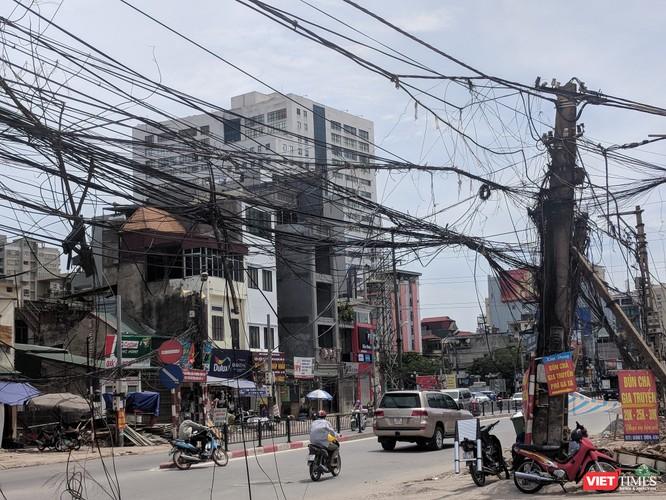 """Giật mình cáp viễn thông như """"liễu rủ"""" trên đường Minh Khai ảnh 5"""
