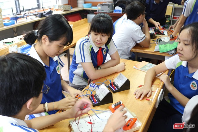 Thấy gì từ một trung tâm thí nghiệm vật lý dành cho học sinh ở Hà Nội? ảnh 2