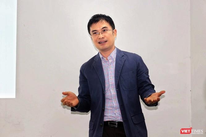 Chuyên gia kinh tế lý giải tại sao Việt Nam chưa thể đánh thuế Google và Facebook ảnh 1