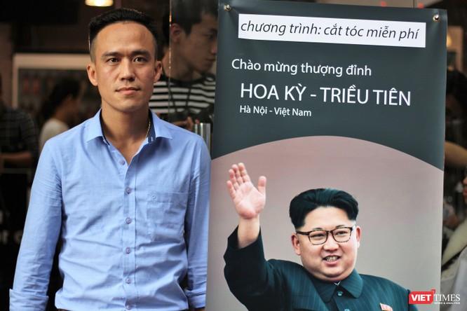 Cắt tóc giống Donald Trump - Kim Jong Un giá 0 đồng giữa lòng Hà Nội ảnh 5