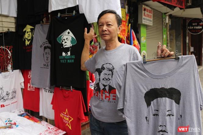 Gặp gỡ người đàn ông nhắn gửi thông điệp hòa bình qua những chiếc áo phông ảnh 13