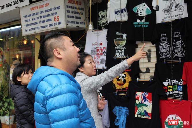 Gặp gỡ người đàn ông nhắn gửi thông điệp hòa bình qua những chiếc áo phông ảnh 5