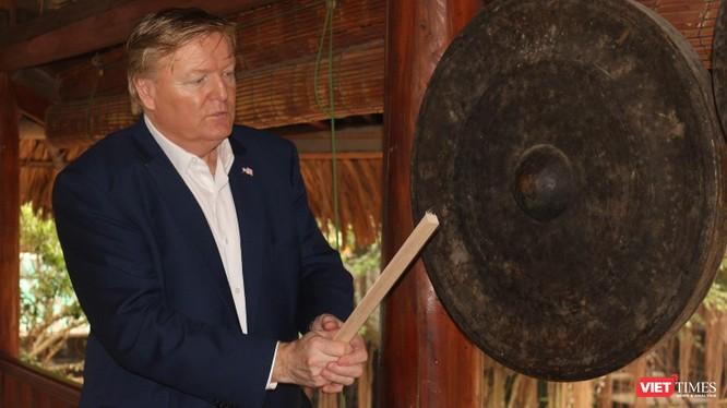 """Trò chuyện cùng """"bản sao"""" Donald Trump ảnh 2"""