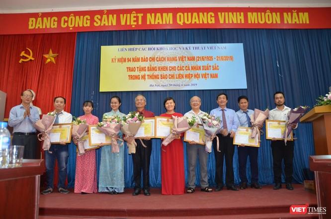 Nhà báo Lê Đăng Khoa (VietTimes) được trao Bằng khen của Liên hiệp các Hội KHKT Việt Nam ảnh 5