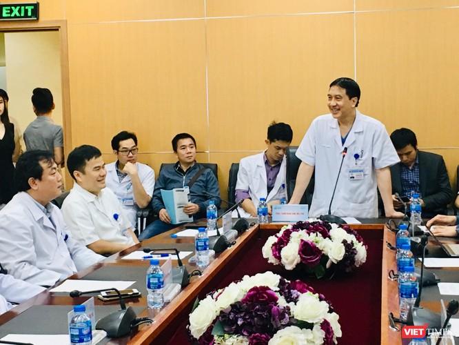 Việt Nam lần đầu thay khớp gối nhân tạo có tuổi thọ 15 năm và giảm đau cho người bệnh ảnh 1