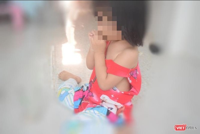 Gia đình bé gái 3 tuổi tố ông già hàng xóm xâm hại con mình ảnh 2
