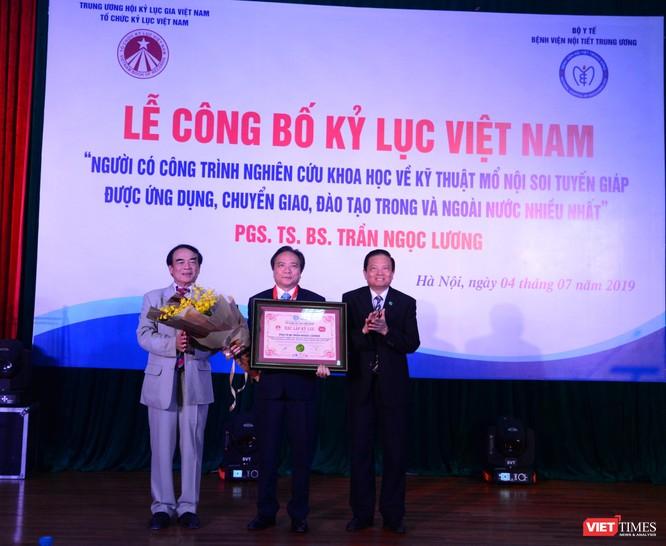 PGS.TS. Trần Ngọc Lương nhận Xác lập kỷ lục Việt Nam